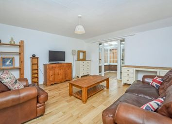 3 bed terraced house to rent in Barset Road, London SE15