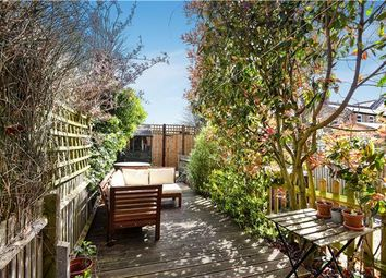 2 bed maisonette for sale in Burnbury Road, London SW12