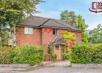 Grant Road, Crowthorne, Berkshire RG45. 4 bed detached house