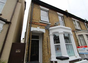 Thumbnail 1 bedroom flat to rent in Napier Avenue, Southend On Sea, Essex