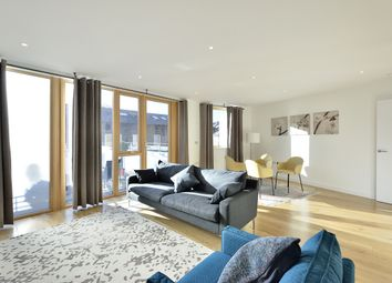 Thumbnail 1 bed flat to rent in Compton Avenue, London