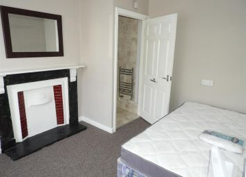 Thumbnail 1 bedroom property to rent in Shelley Street, Swindon