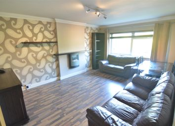 Thumbnail 1 bed flat to rent in Station Road, West Horndon, Brentwood