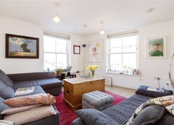 Thumbnail 2 bed flat to rent in Northwold Road, London