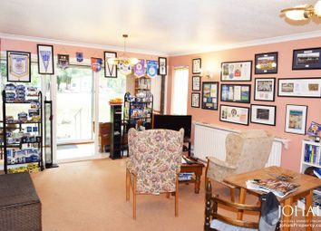 Thumbnail 2 bed flat for sale in Victoria Gardens, London Road, Leicester