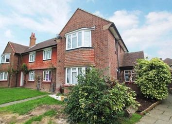2 bed maisonette to rent in Philip Road, Staines TW18