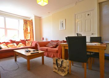 Thumbnail 1 bed flat to rent in Dover Street, Reading