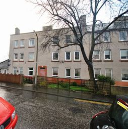 Thumbnail 2 bedroom flat to rent in Redbraes Place, Edinburgh, Midlothian