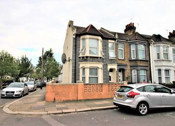 Room to rent in Petersfield Road, Acton, London W3