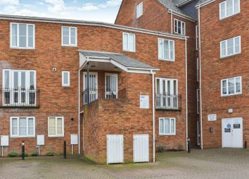 Thumbnail 3 bedroom flat to rent in Sovereigns Quay, Bedford