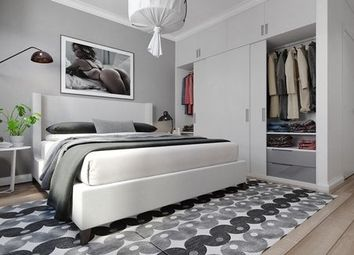 Thumbnail 2 bed flat for sale in Gillingham Gate Road, Kent