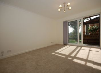 Thumbnail 1 bed flat to rent in Kingsleigh Walk, Bromley, Kent