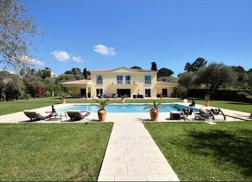 Thumbnail 6 bed property for sale in 06560 Valbonne, France