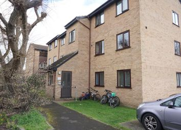 2 bed flat to rent in Millhaven Close, Chadwell Heath, Essex RM6