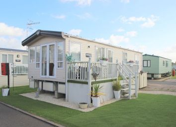 Thumbnail 2 bed mobile/park home for sale in Rayford Caravan Park, Stratford Upon Avon