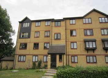 1 bed flat to rent in Chestnut Road, Basildon, Essex SS16