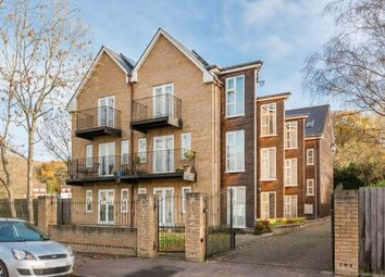 Thumbnail 2 bedroom flat for sale in Eastlands Way, Oxted