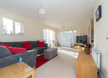 Thumbnail 2 bedroom flat for sale in Stokers Close, Dunstable, Bedfordshire