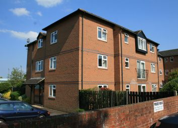Thumbnail 2 bedroom flat to rent in Wethered Road, Marlow
