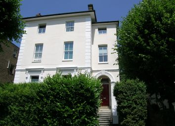 2 bed flat to rent in Grove Road, Surbiton KT6