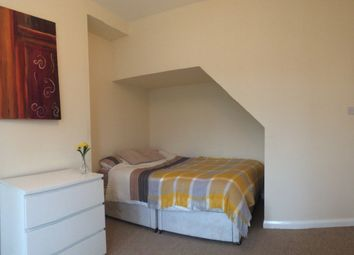 Thumbnail 4 bedroom shared accommodation to rent in Haw Hill View, Normanton