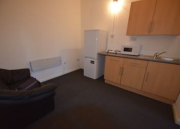 Thumbnail 1 bed flat to rent in Crest Road, London