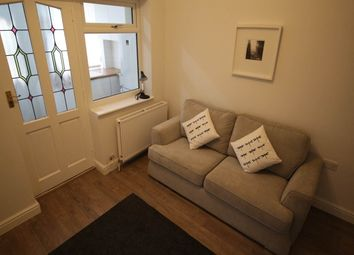 Thumbnail Room to rent in Long Row, Horsforth, Leeds