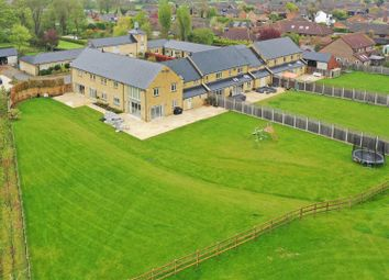 Thumbnail 5 bed mews house to rent in Manor Farm Close, Edlesborough, Buckinghamshire