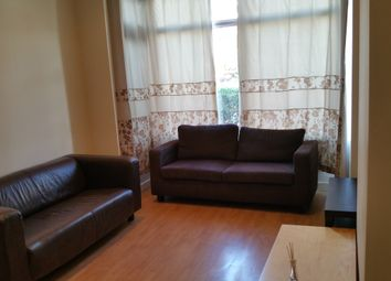 Thumbnail Room to rent in Newport Gardens, Hyde Park, Leeds