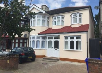 Thumbnail Studio to rent in Fowey Avenue, Ilford, Essex