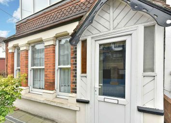 Thumbnail 1 bed flat to rent in Selsdon Road, South Croydon