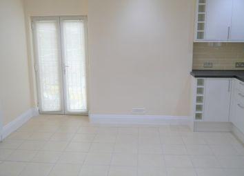Thumbnail 3 bedroom flat to rent in St Johns Hill, Sevenoaks