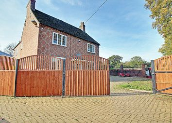 Thumbnail 6 bed detached house to rent in Burbages Lane, Longford, Coventry