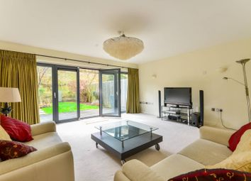 Thumbnail 4 bed property to rent in Woodland Crescent, Greenwich