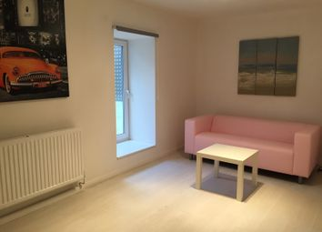 Thumbnail Room to rent in Savile Terrace, Halifax