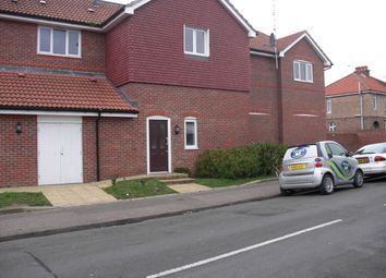 Thumbnail 1 bed flat to rent in Gravits Lane, Bognor Regis