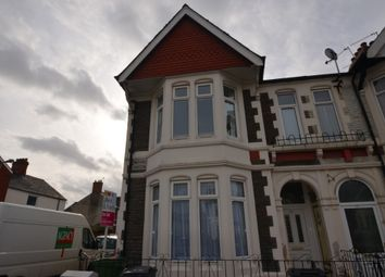 2 bed flat to rent in Merches Gardens, Grangetown, Cardiff CF11