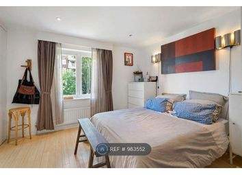 Room to rent in Ridings Close, London N6
