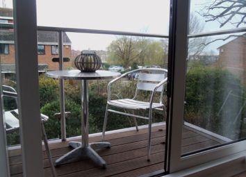 Thumbnail 1 bed flat to rent in Cardinal Close, Caversham, Reading, Berkshire