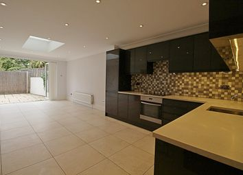 Thumbnail 3 bedroom flat to rent in Windmill Road, Brentford