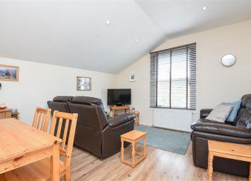 Thumbnail 2 bed flat to rent in Pretoria Road, London