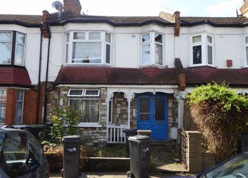 Thumbnail Studio to rent in Kelvin Avenue, Plamers Green, London