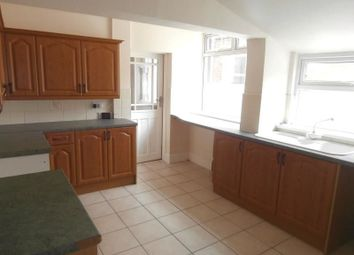 Thumbnail 3 bed property to rent in Queensgate Street, Hull