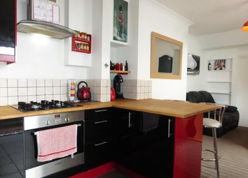 Thumbnail 2 bed flat to rent in Leighton Terrace, Exeter