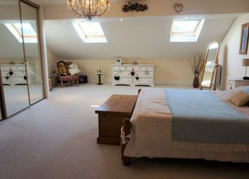 Thumbnail 5 bedroom town house for sale in Waterwheel Lane, Oakworth
