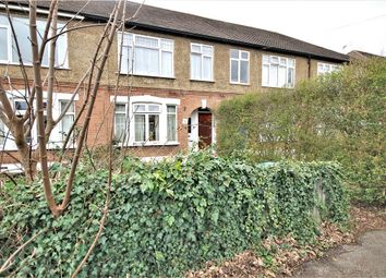 2 bed maisonette for sale in Avondale Avenue, Staines, Middlesex TW18