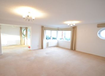 Thumbnail 3 bedroom flat to rent in Caversham Wharf, Waterman Place, Reading