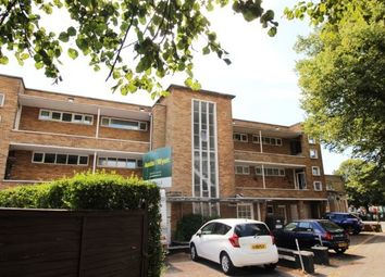 2 bed flat to rent in Holdenhurst Avenue, Southbourne, Bournemouth BH7