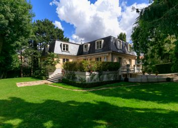 Thumbnail 5 bed property for sale in Garches, Paris, France