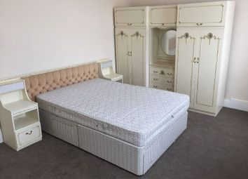 3 bed property to rent in Dersingham Avenue, London E12